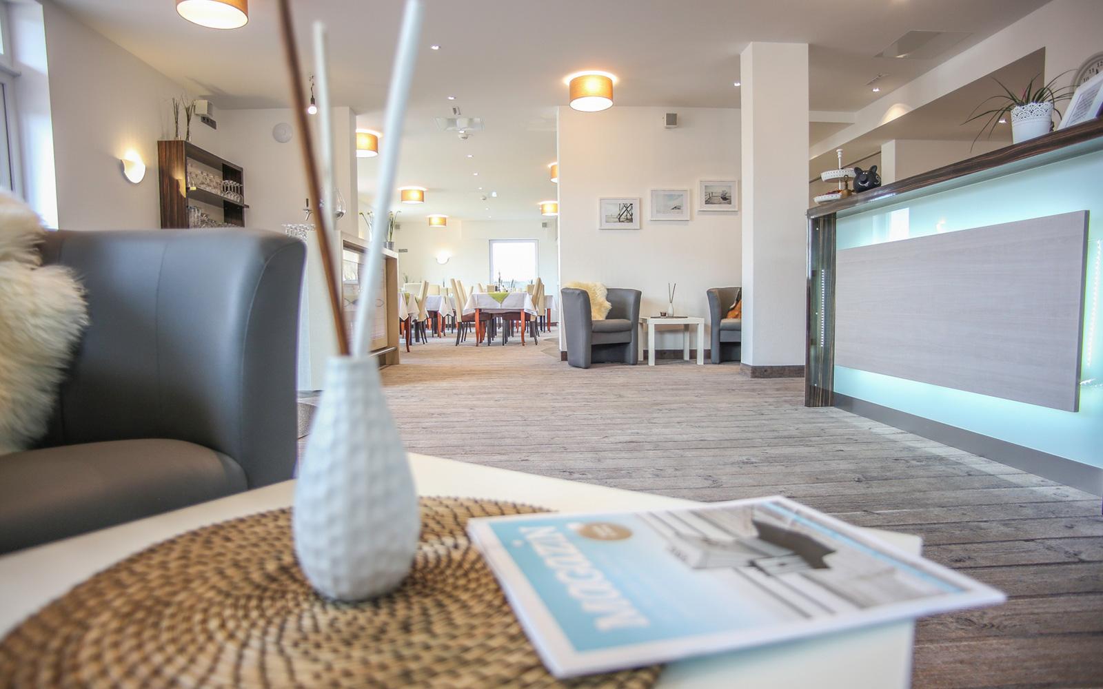 strandburg lobby1 hotel strandburg st peter ording. Black Bedroom Furniture Sets. Home Design Ideas